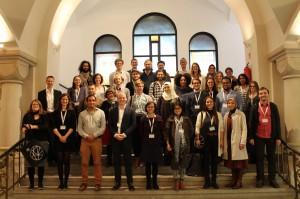 Begrüßung der Teilnehmer_innen in der Synagoge Rykestraße.