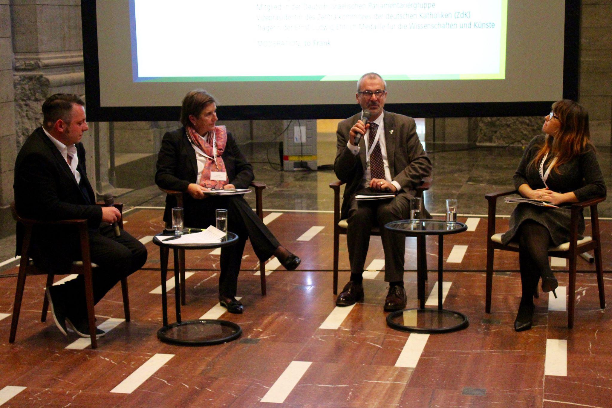 Dialogperspektiven-Auftakt: Podiumsdiskussion. Bild: Jonas Fegert